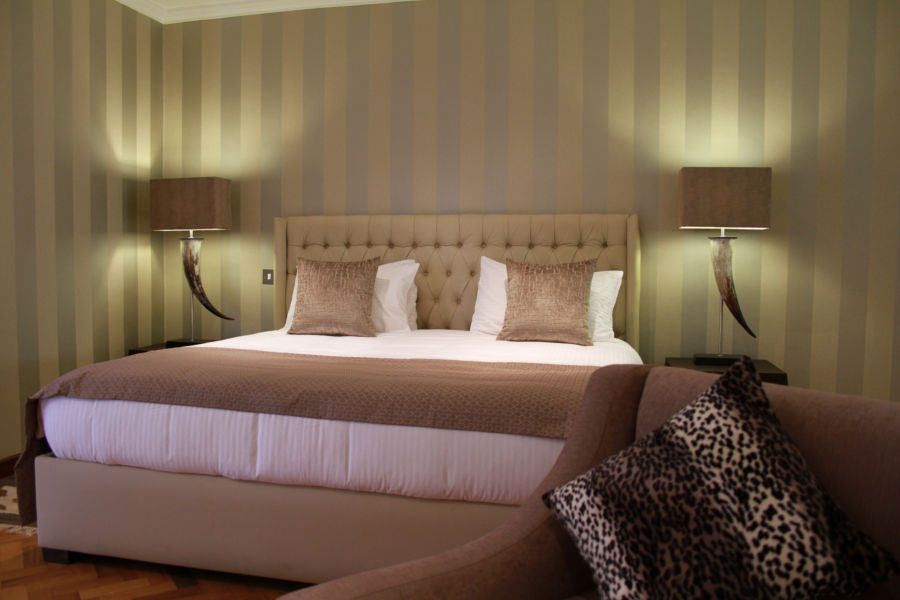 aberdare_country_club_vip_suite_bedroom_1-lo